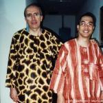 Due confratelli inculturati! Vestiti alla moda camerunese…alla faccia di Versace e Armani!!!